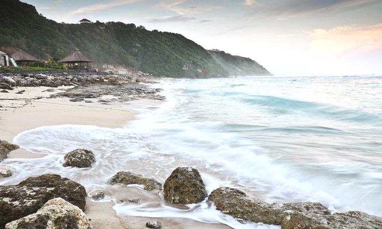 Pantai Pemutih