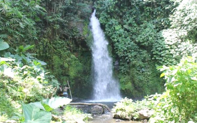 Air Terjun Batu Lantang Bali